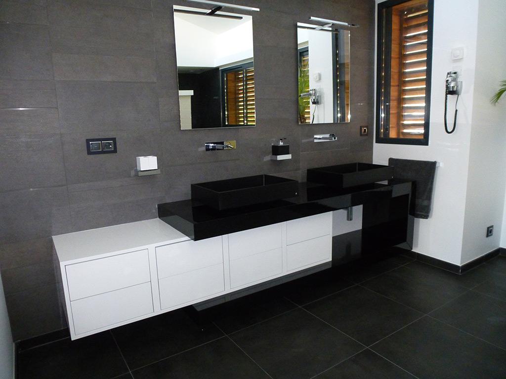vasque au sol salle de bain Installation du0027une Salle de Bain dans une extension avec robinetteries  vasques et douche encastrée