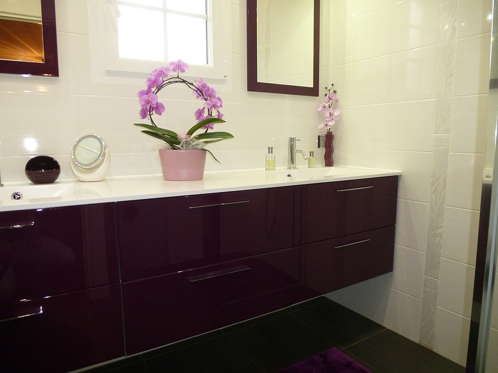 Meuble wc noir rnovation complte de salle de bain avec - Meuble salle de bain sur mesure leroy merlin ...