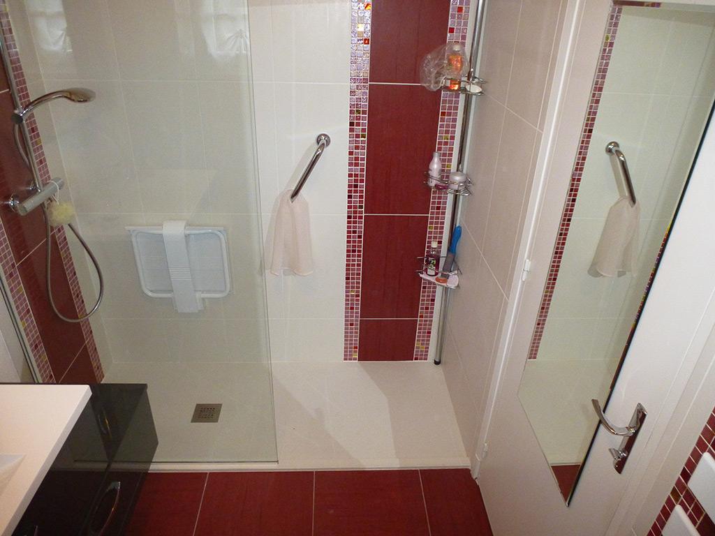 Jean marc sol installation salle de bains cl s en main for Realisation salle de bain italienne