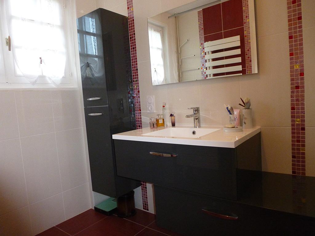 Douche italienne sur mesure fabulous rnovation complte de for Carreler une salle de bain avec baignoire