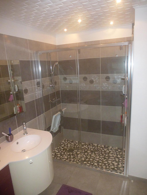 Jean marc sol installation salle de bains cl s en main for Meuble salle de douche