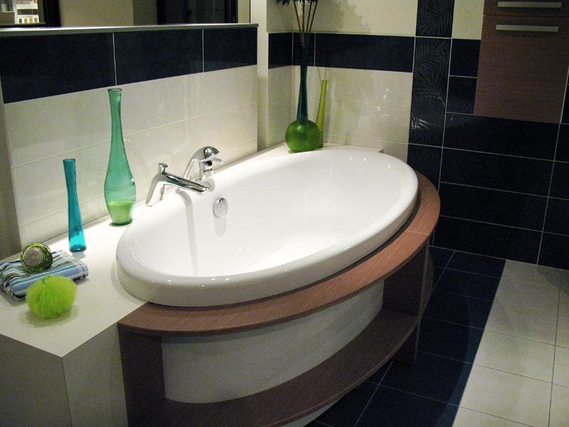 Electricite salle de bain comment am nager une salle de for Electricite salle de bain